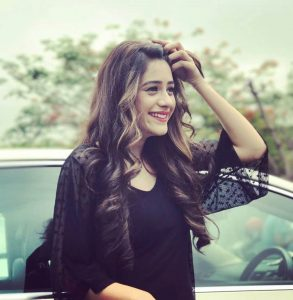 Hiba Nawab Image(photos), Biography, Age, Birthday, Husband, About, Family, Education, Net Worth, Father, Hairstyle, Awards, Instagram, Facebook, Twitter, Wiki, Youtube, Imdb (56)
