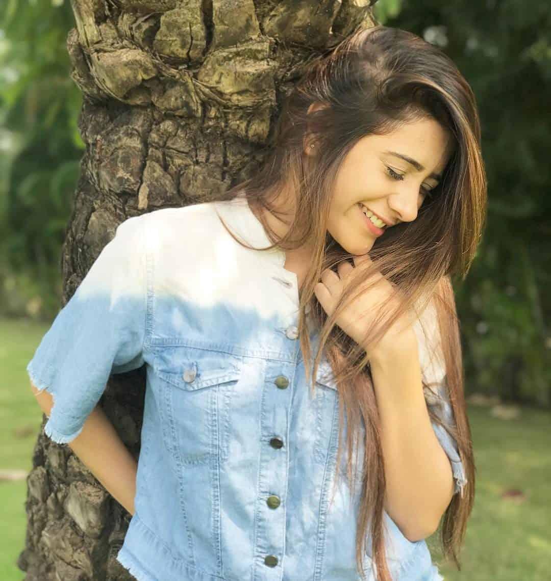 Hiba Nawab Image(photos), Biography, Age, Birthday, Husband, About, Family, Education, Net Worth, Father, Hairstyle, Awards, Instagram, Facebook, Twitter, Wiki, Youtube, Imdb (68)