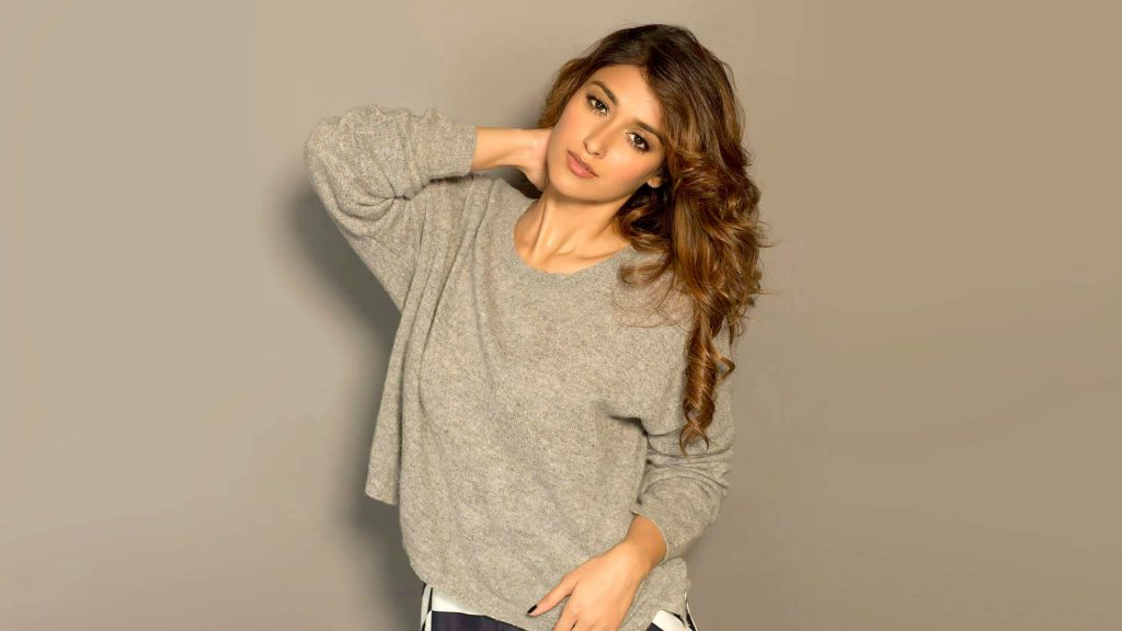 Ileana D'cruz Husband, Age, Images(photos), Marriage, Height, Biography, Sister, Date Of Birth, Net Worth, Family, Child, Details, Education, Yoga, Instagram, Wiki, Twitter, Awards, Facebook