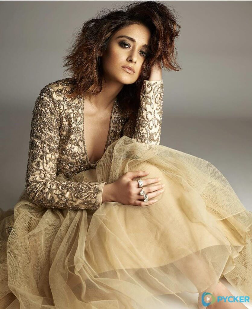 Ileana D'cruz Husband, Age, Images(photos), Marriage, Height, Biography, Sister, Date Of Birth, Net Worth, Family, Child, Details, Education, Yoga, Instagram, Wiki, Twitter, Awards, Facebook, ( (13)
