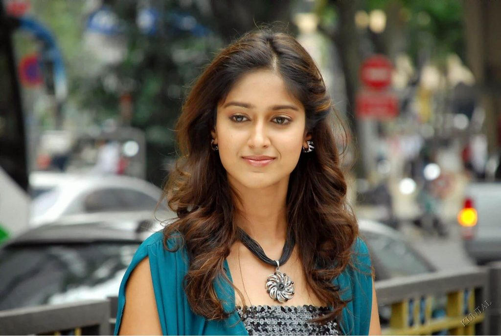 Ileana D'cruz Husband, Age, Images(photos), Marriage, Height, Biography, Sister, Date Of Birth, Net Worth, Family, Child, Details, Education, Yoga, Instagram, Wiki, Twitter, Awards, Facebook, ( (14)