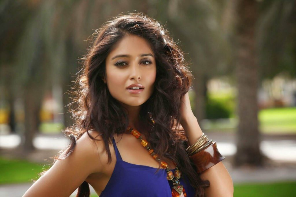 Ileana D'cruz Husband, Age, Images(photos), Marriage, Height, Biography, Sister, Date Of Birth, Net Worth, Family, Child, Details, Education, Yoga, Instagram, Wiki, Twitter, Awards, Facebook, ( (28)