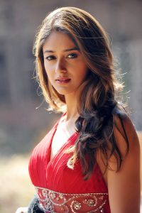 Ileana D'cruz Husband, Age, Images(photos), Marriage, Height, Biography, Sister, Date Of Birth, Net Worth, Family, Child, Details, Education, Yoga, Instagram, Wiki, Twitter, Awards, Facebook, ( (3)