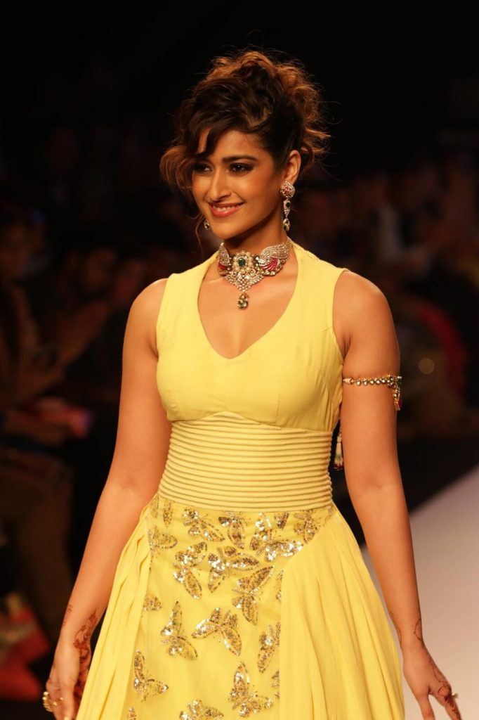 Ileana D'cruz Husband, Age, Images(photos), Marriage, Height, Biography, Sister, Date Of Birth, Net Worth, Family, Child, Details, Education, Yoga, Instagram, Wiki, Twitter, Awards, Facebook, ( (31)