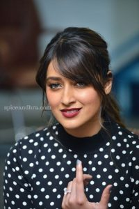 Ileana D'cruz Husband, Age, Images(photos), Marriage, Height, Biography, Sister, Date Of Birth, Net Worth, Family, Child, Details, Education, Yoga, Instagram, Wiki, Twitter, Awards, Facebook, ( (42)