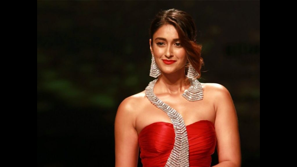 Ileana D'cruz Husband, Age, Images(photos), Marriage, Height, Biography, Sister, Date Of Birth, Net Worth, Family, Child, Details, Education, Yoga, Instagram, Wiki, Twitter, Awards, Facebook, ( (75)