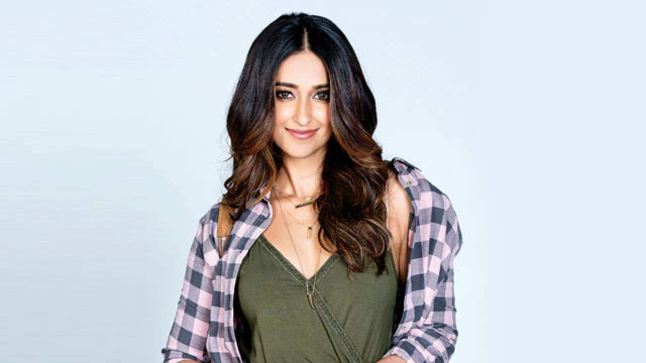 Ileana D'cruz Husband, Age, Images(photos), Marriage, Height, Biography, Sister, Date Of Birth, Net Worth, Family, Child, Details, Education, Yoga, Instagram, Wiki, Twitter, Awards, Facebook, ( (78)