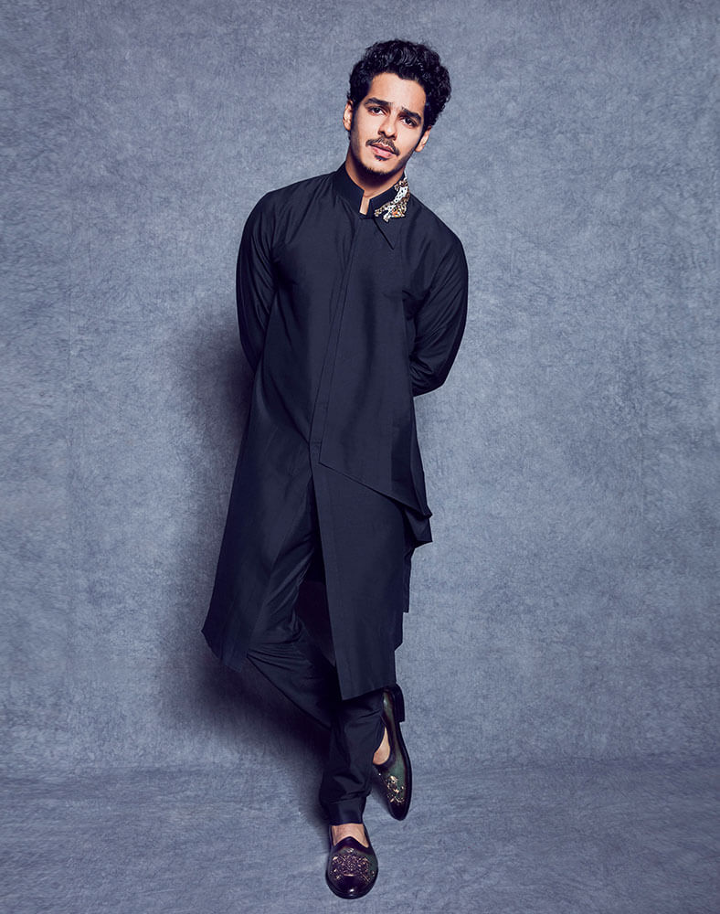 Ishaan Khattar Mother, Family, Height, Age, Father, Biography, Brother, Photos(images), Birthday, Girlfriend, Net Worth, Instagram, Twitter, Facebook, Imdb, Wiki, History (40)