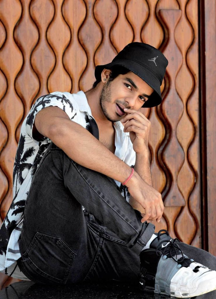 Ishaan Khattar Mother, Family, Height, Age, Father, Biography, Brother, Photos(images), Birthday, Girlfriend, Net Worth, Instagram, Twitter, Facebook, Imdb, Wiki, History (53)