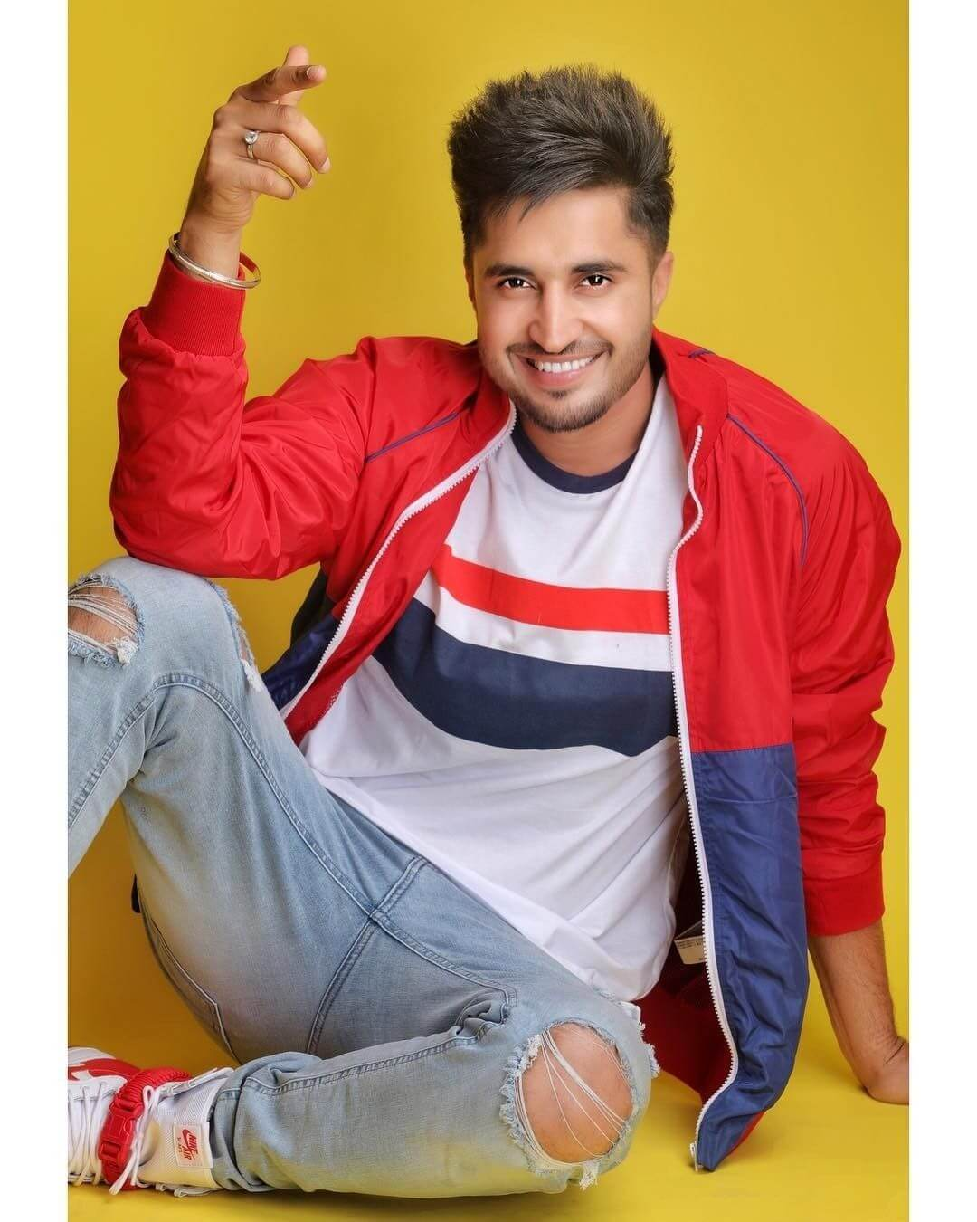 Jassie Gill Song, Photos(images), Hairstyle, Wife, Age, Biography, Birthday, Height, Family, Girlfriend, Education, Net Worth, Website, Wiki, Twitter, Instagram, Imdb, Youtube, Facebook (2) (1)