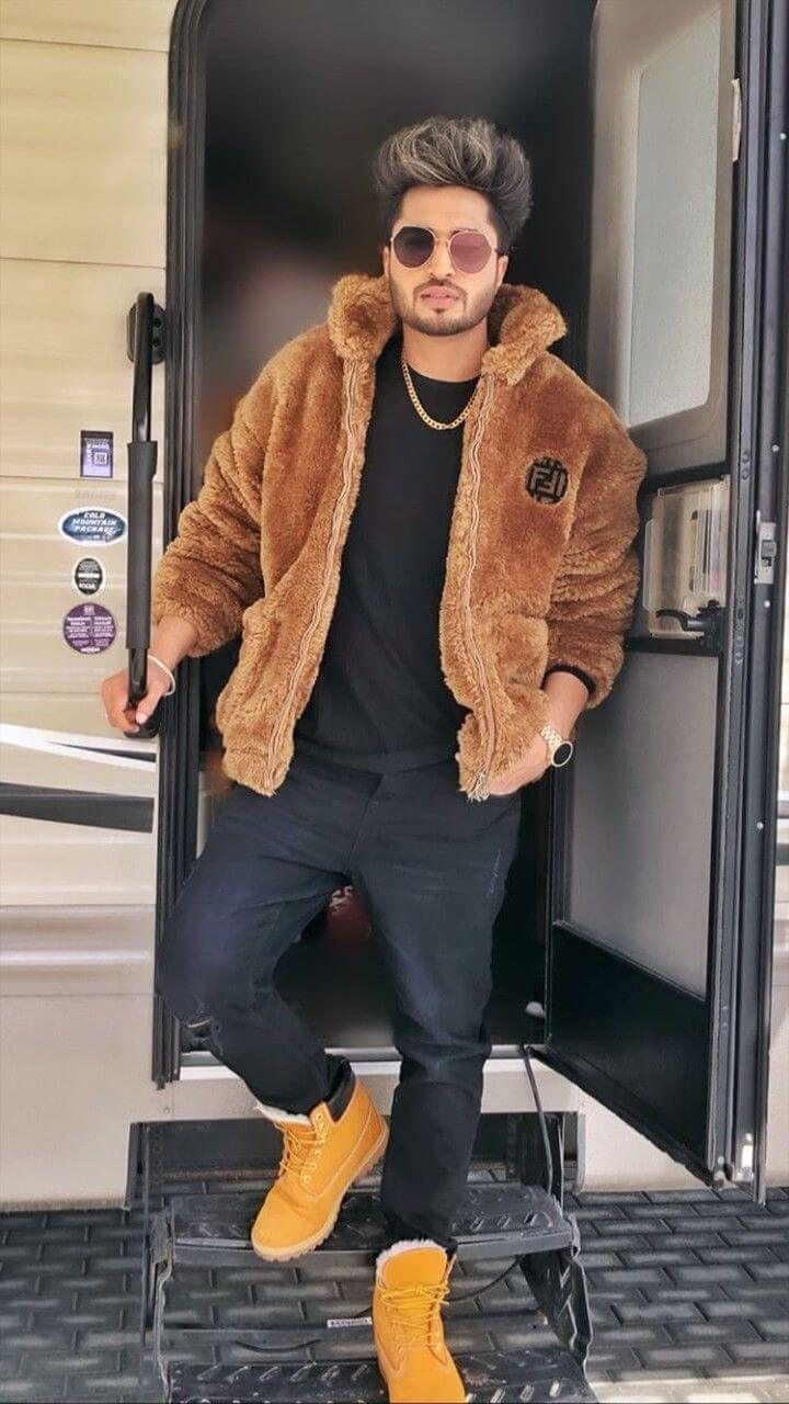 Jassie Gill Song, Photos(images), Hairstyle, Wife, Age, Biography, Birthday, Height, Family, Girlfriend, Education, Net Worth, Website, Wiki, Twitter, Instagram, Imdb, Youtube, Facebook (2)