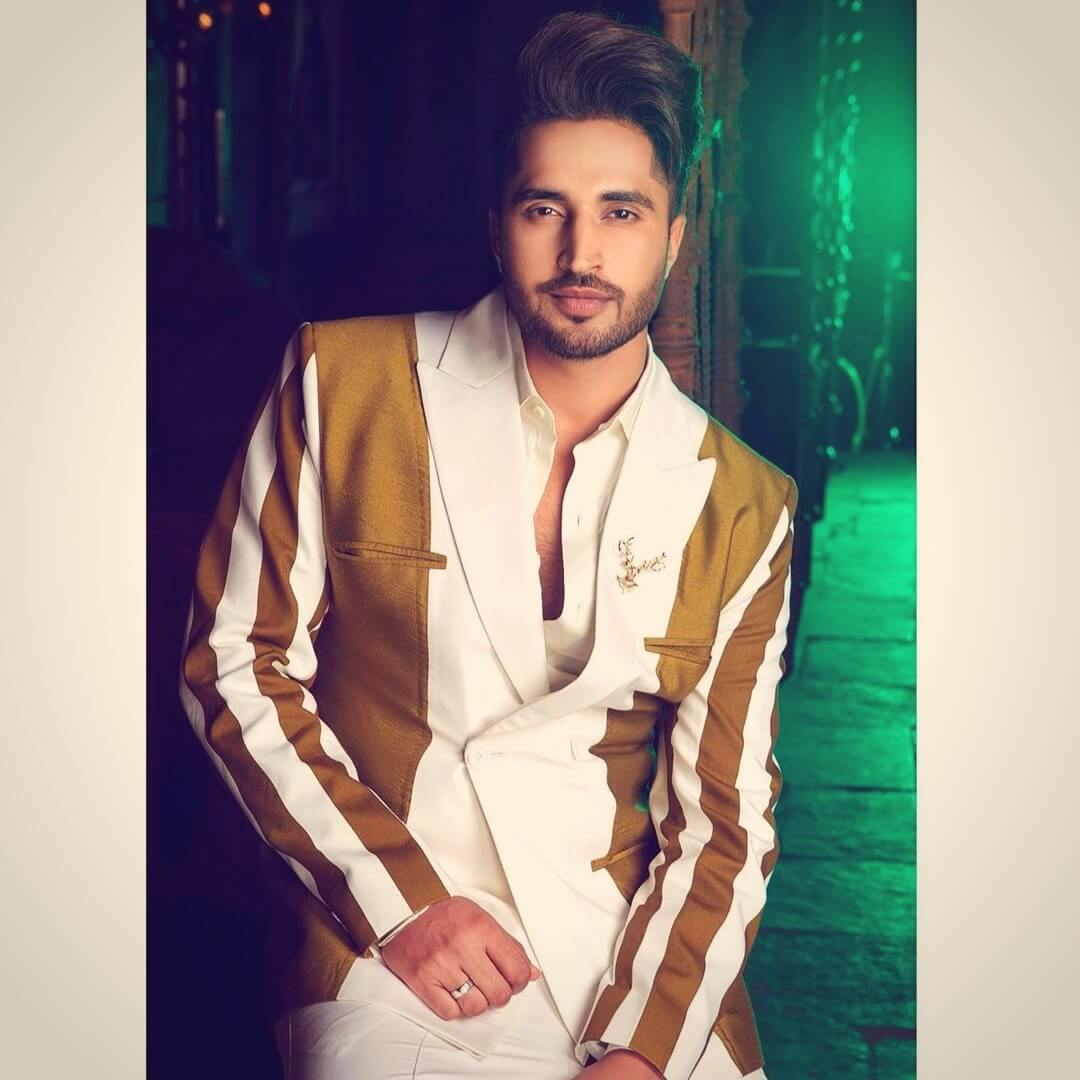 Jassie Gill Song, Photos(images), Hairstyle, Wife, Age, Biography, Birthday, Height, Family, Girlfriend, Education, Net Worth, Website, Wiki, Twitter, Instagram, Imdb, Youtube, Facebook (27)