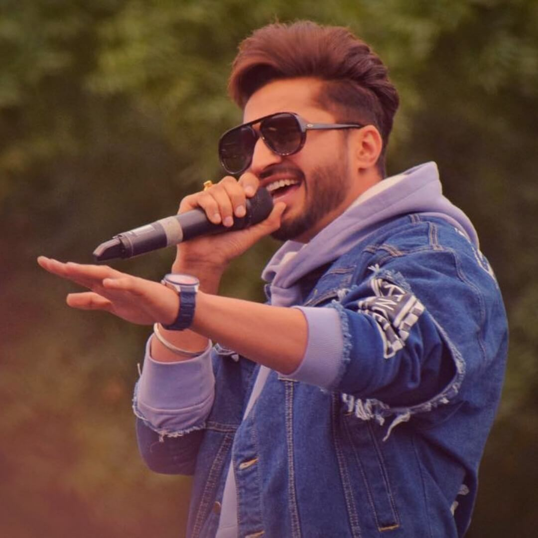 Jassie Gill Song, Photos(images), Hairstyle, Wife, Age, Biography, Birthday, Height, Family, Girlfriend, Education, Net Worth, Website, Wiki, Twitter, Instagram, Imdb, Youtube, Facebook (35)