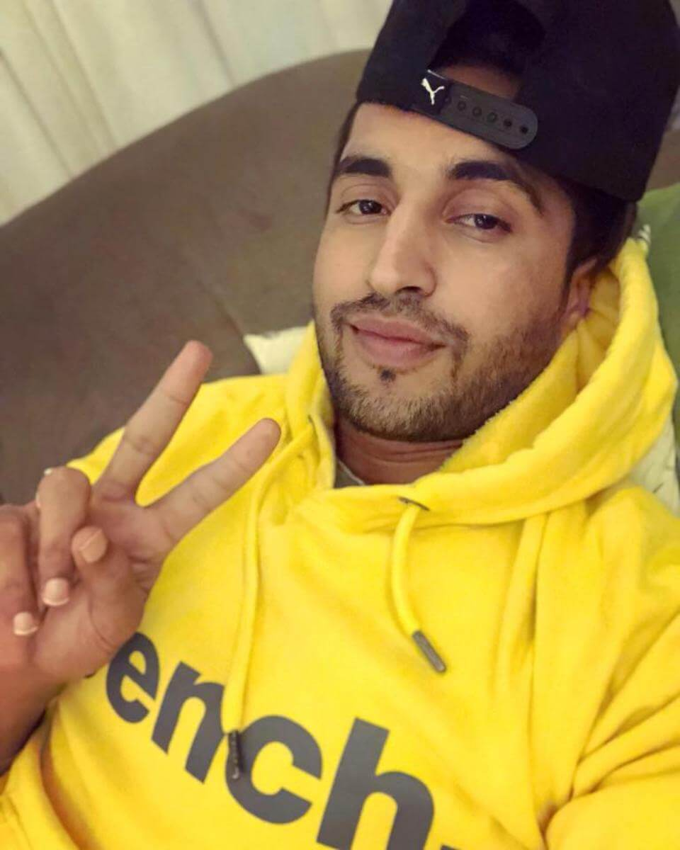 Jassie Gill Song, Photos(images), Hairstyle, Wife, Age, Biography, Birthday, Height, Family, Girlfriend, Education, Net Worth, Website, Wiki, Twitter, Instagram, Imdb, Youtube, Facebook (42)