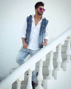 Jassie Gill Song, Photos(images), Hairstyle, Wife, Age, Biography, Birthday, Height, Family, Girlfriend, Education, Net Worth, Website, Wiki, Twitter, Instagram, Imdb, Youtube, Facebook (6)