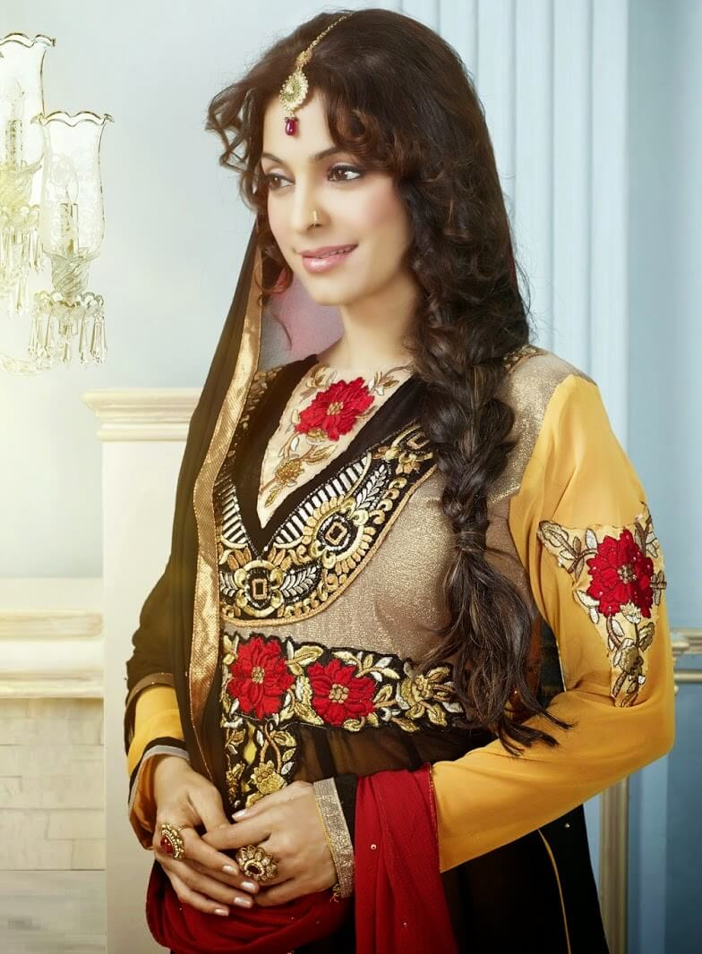Juhi Chawla Photos, Daughter, Husband, Age, Family, Kids, Date Of Birth, Biography, Height, Miss India, Marriage, Son, Awards, Education, Net Worth, Details, Instagram, Wiki, Facebook, Twitter, ( (32)