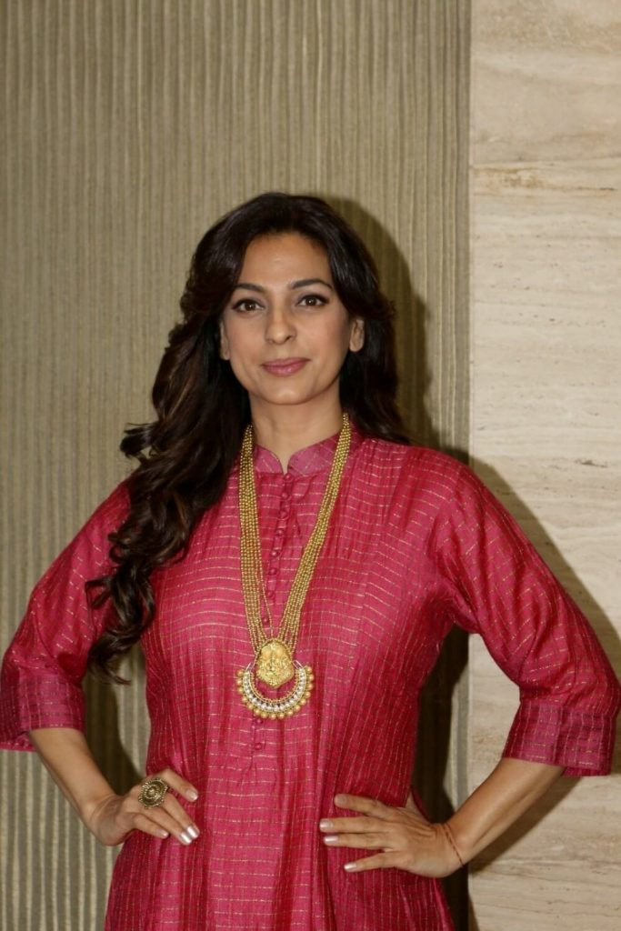 Juhi Chawla Photos, Daughter, Husband, Age, Family, Kids, Date Of Birth, Biography, Height, Miss India, Marriage, Son, Awards, Education, Net Worth, Details, Instagram, Wiki, Facebook, Twitter, ( (42)