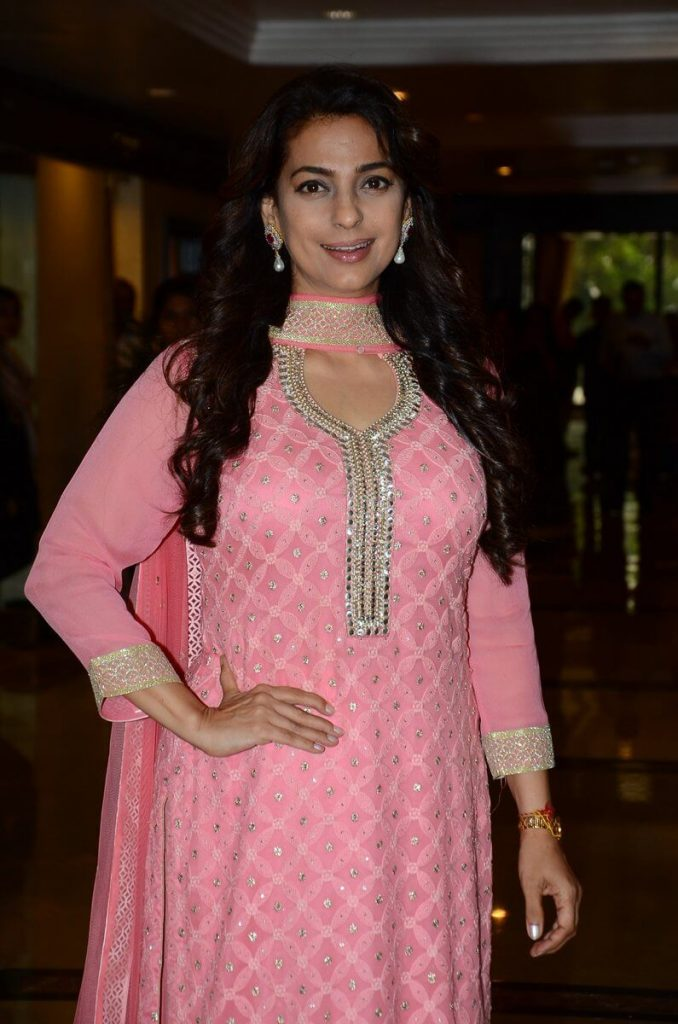 Juhi Chawla Photos, Daughter, Husband, Age, Family, Kids, Date Of Birth, Biography, Height, Miss India, Marriage, Son, Awards, Education, Net Worth, Details, Instagram, Wiki, Facebook, Twitter, ( (43)