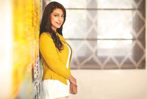 Juhi Chawla Photos, Daughter, Husband, Age, Family, Kids, Date Of Birth, Biography, Height, Miss India, Marriage, Son, Awards, Education, Net Worth, Details, Instagram, Wiki, Facebook, Twitter, ( (44)