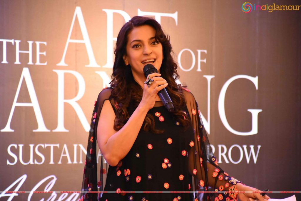 Juhi Chawla Photos, Daughter, Husband, Age, Family, Kids, Date Of Birth, Biography, Height, Miss India, Marriage, Son, Awards, Education, Net Worth, Details, Instagram, Wiki, Facebook, Twitter, ( (60)