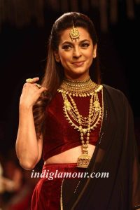 Juhi Chawla Photos, Daughter, Husband, Age, Family, Kids, Date Of Birth, Biography, Height, Miss India, Marriage, Son, Awards, Education, Net Worth, Details, Instagram, Wiki, Facebook, Twitter, ( (61)