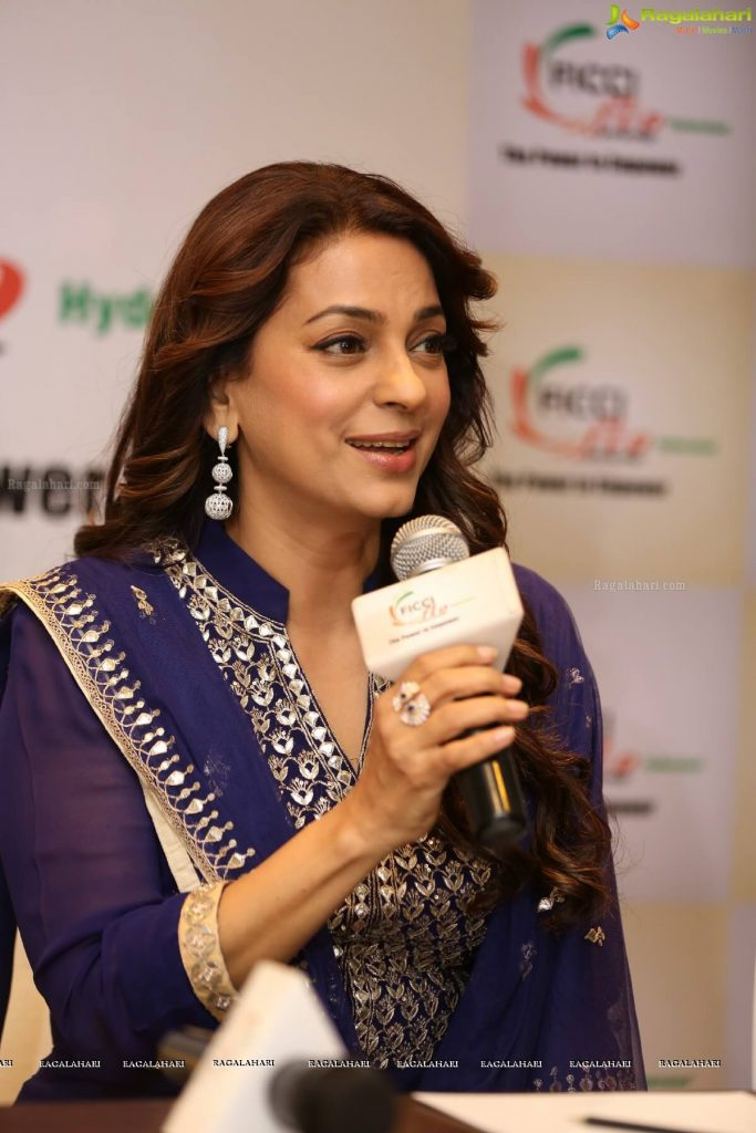 Juhi Chawla Photos, Daughter, Husband, Age, Family, Kids, Date Of Birth, Biography, Height, Miss India, Marriage, Son, Awards, Education, Net Worth, Details, Instagram, Wiki, Facebook, Twitter, ( (65)
