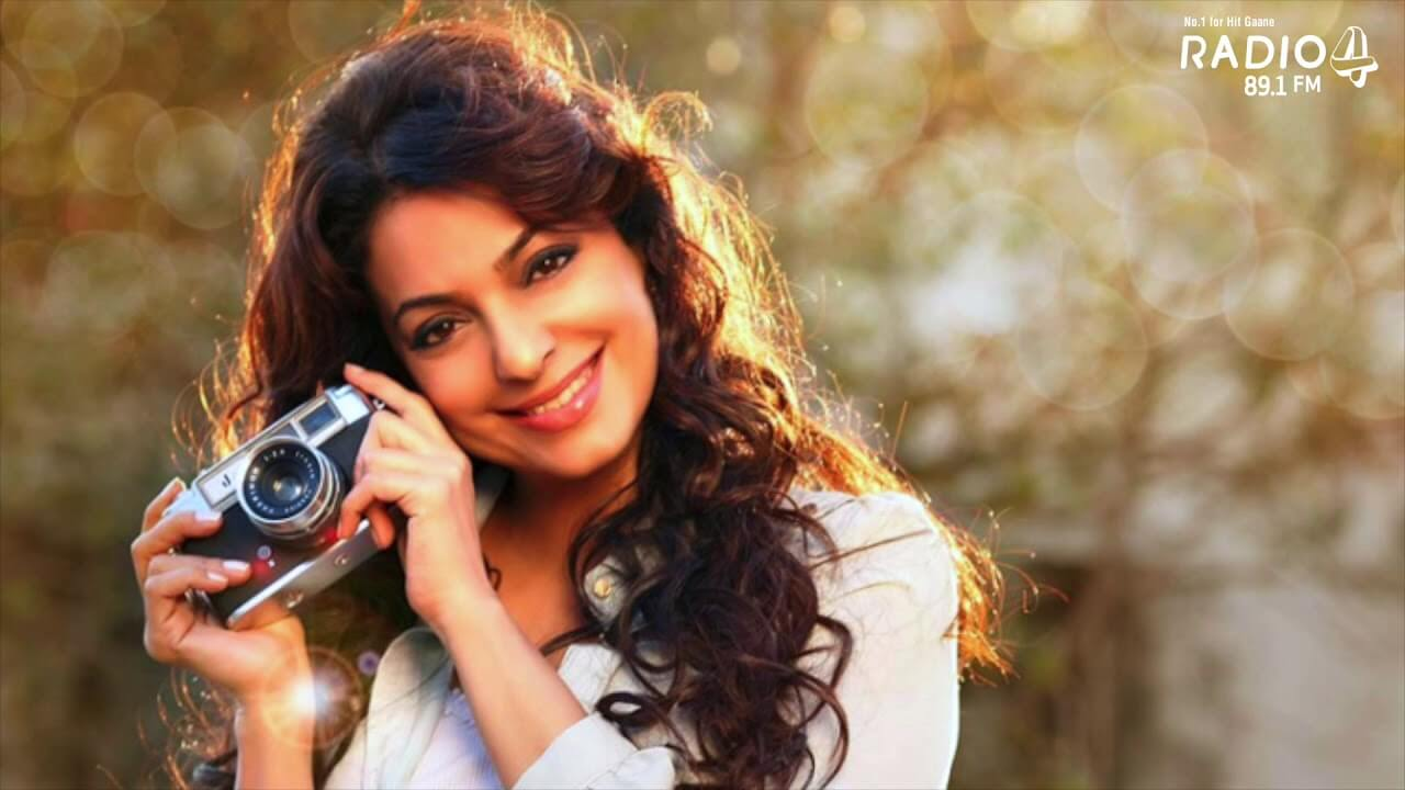 Juhi Chawla Photos, Daughter, Husband, Age, Family, Kids, Date Of Birth, Biography, Height, Miss India, Marriage, Son, Awards, Education, Net Worth, Details, Instagram, Wiki, Facebook, Twitter, ( (75)