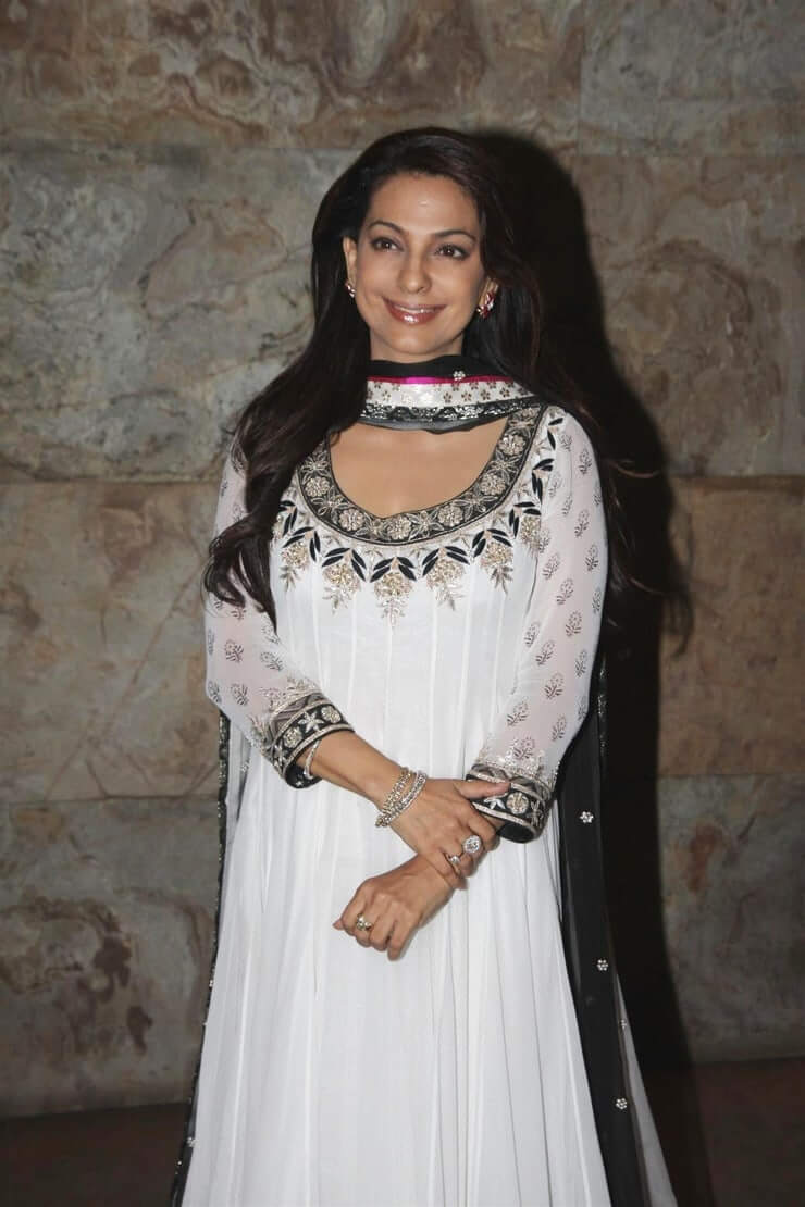 Juhi Chawla Photos, Daughter, Husband, Age, Family, Kids, Date Of Birth, Biography, Height, Miss India, Marriage, Son, Awards, Education, Net Worth, Details, Instagram, Wiki, Facebook, Twitter, ( (9)