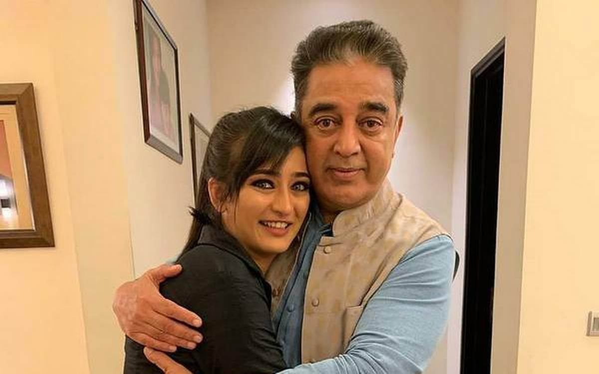 Kamal Hassan Daughter, Age, Date Of Birth, Wife, Election, Family, Images(photo), Biography, Awards, Height, Net Worth, Brother, Education, House, Instagram, Facebook, Wiki, Imdb, Twitter, Yout ( (33)