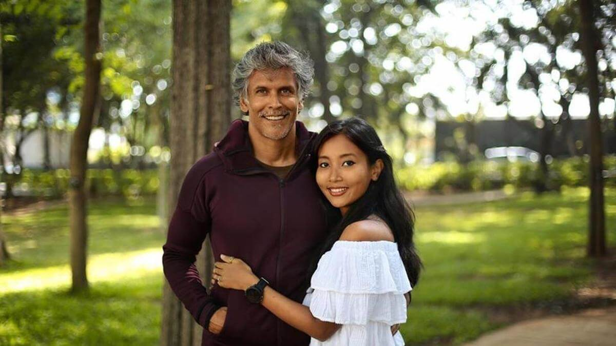 Milind Soman Wife, Age, Height, Young, Mother, Biography, Marriage, Net Worth, Birthday, Details, Image(photos), Education, Instagram, Facebook, Twitter, Wiki, Youtube, Imdb (1)