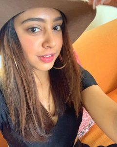 Niti Taylor Engagement, Biography, Height, Age, Images(photos), Marriage, Birthday, Husband, App, Hairstyle, Education, Net Worth, Family, Details, Instagram, Twitter, Wiki, Facebook, Imdb (10)