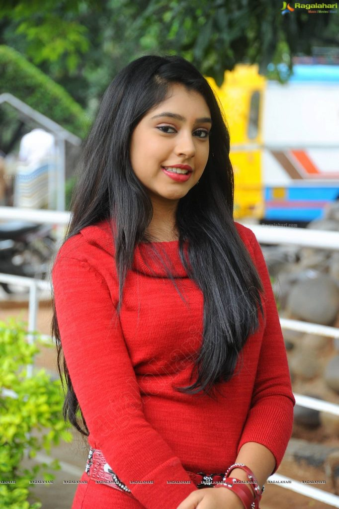 Niti Taylor Engagement, Biography, Height, Age, Images(photos), Marriage, Birthday, Husband, App, Hairstyle, Education, Net Worth, Family, Details, Instagram, Twitter, Wiki, Facebook, Imdb (17)
