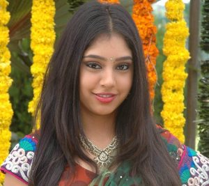Niti Taylor Engagement, Biography, Height, Age, Images(photos), Marriage, Birthday, Husband, App, Hairstyle, Education, Net Worth, Family, Details, Instagram, Twitter, Wiki, Facebook, Imdb (20)