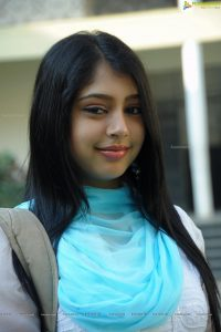 Niti Taylor Engagement, Biography, Height, Age, Images(photos), Marriage, Birthday, Husband, App, Hairstyle, Education, Net Worth, Family, Details, Instagram, Twitter, Wiki, Facebook, Imdb (24)