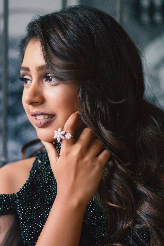 Niti Taylor Engagement, Biography, Height, Age, Images(photos), Marriage, Birthday, Husband, App, Hairstyle, Education, Net Worth, Family, Details, Instagram, Twitter, Wiki, Facebook, Imdb (28)