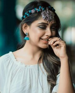 Niti Taylor Engagement, Biography, Height, Age, Images(photos), Marriage, Birthday, Husband, App, Hairstyle, Education, Net Worth, Family, Details, Instagram, Twitter, Wiki, Facebook, Imdb (3)