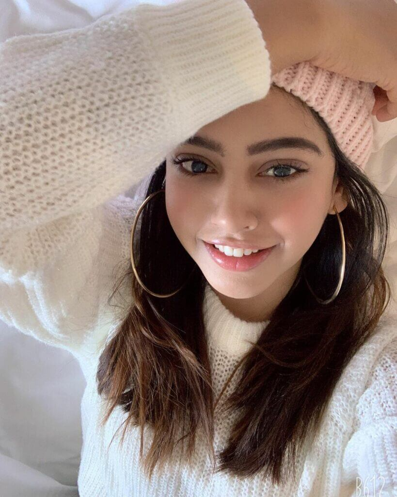 Niti Taylor Engagement, Biography, Height, Age, Images(photos), Marriage, Birthday, Husband, App, Hairstyle, Education, Net Worth, Family, Details, Instagram, Twitter, Wiki, Facebook, Imdb (36)