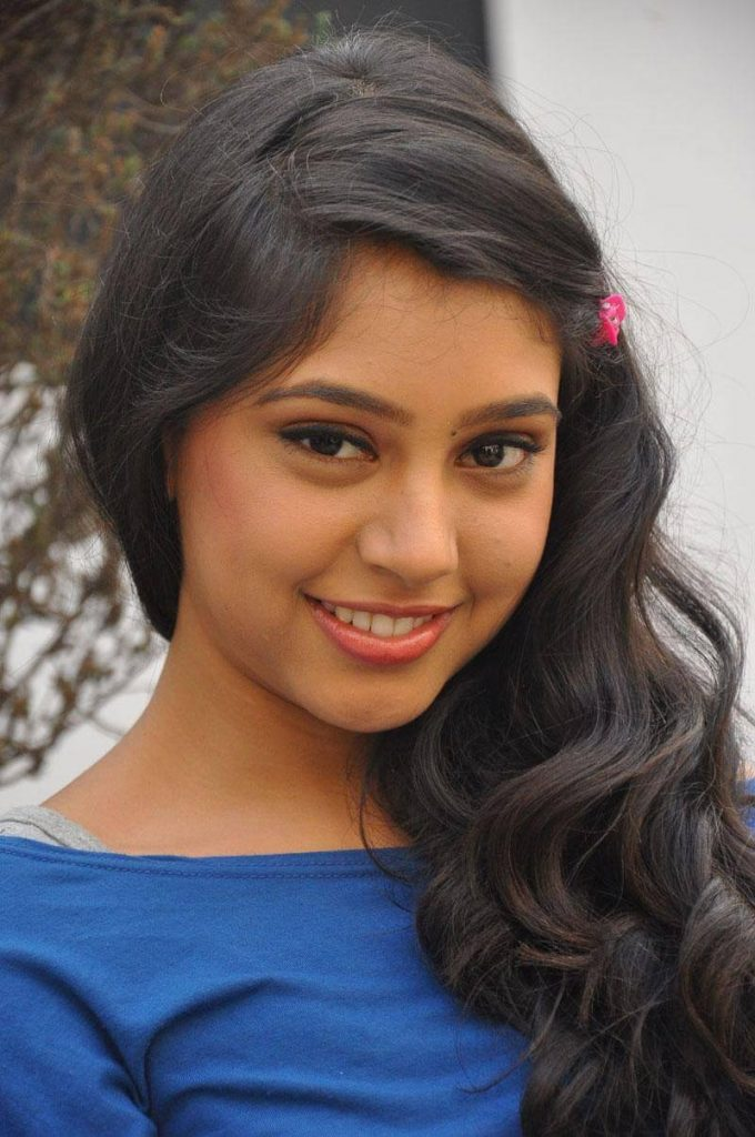 Niti Taylor Engagement, Biography, Height, Age, Images(photos), Marriage, Birthday, Husband, App, Hairstyle, Education, Net Worth, Family, Details, Instagram, Twitter, Wiki, Facebook, Imdb (38)
