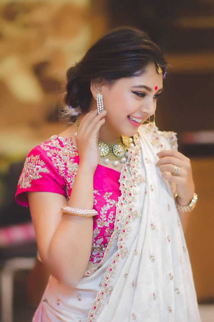 Niti Taylor Engagement, Biography, Height, Age, Images(photos), Marriage, Birthday, Husband, App, Hairstyle, Education, Net Worth, Family, Details, Instagram, Twitter, Wiki, Facebook, Imdb (42)