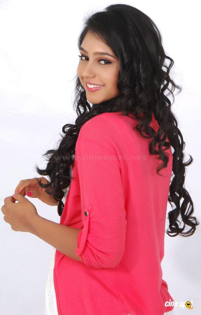 Niti Taylor Engagement, Biography, Height, Age, Images(photos), Marriage, Birthday, Husband, App, Hairstyle, Education, Net Worth, Family, Details, Instagram, Twitter, Wiki, Facebook, Imdb (44)