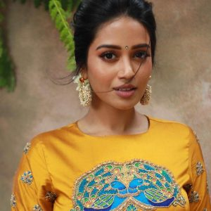 Nivetha Pethuraj Date Of Birth, Wallpapers, Age, Biography, Net Worth, Height, Education, Wiki, Facebook, Twitter, Imdb, Instagram, Youtube (14)