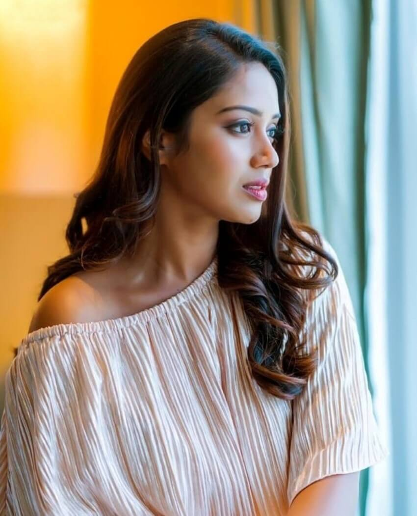 Nivetha Pethuraj Date Of Birth, Wallpapers, Age, Biography, Net Worth, Height, Education, Wiki, Facebook, Twitter, Imdb, Instagram, Youtube (24)