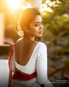Nivetha Pethuraj Date Of Birth, Wallpapers, Age, Biography, Net Worth, Height, Education, Wiki, Facebook, Twitter, Imdb, Instagram, Youtube (25)