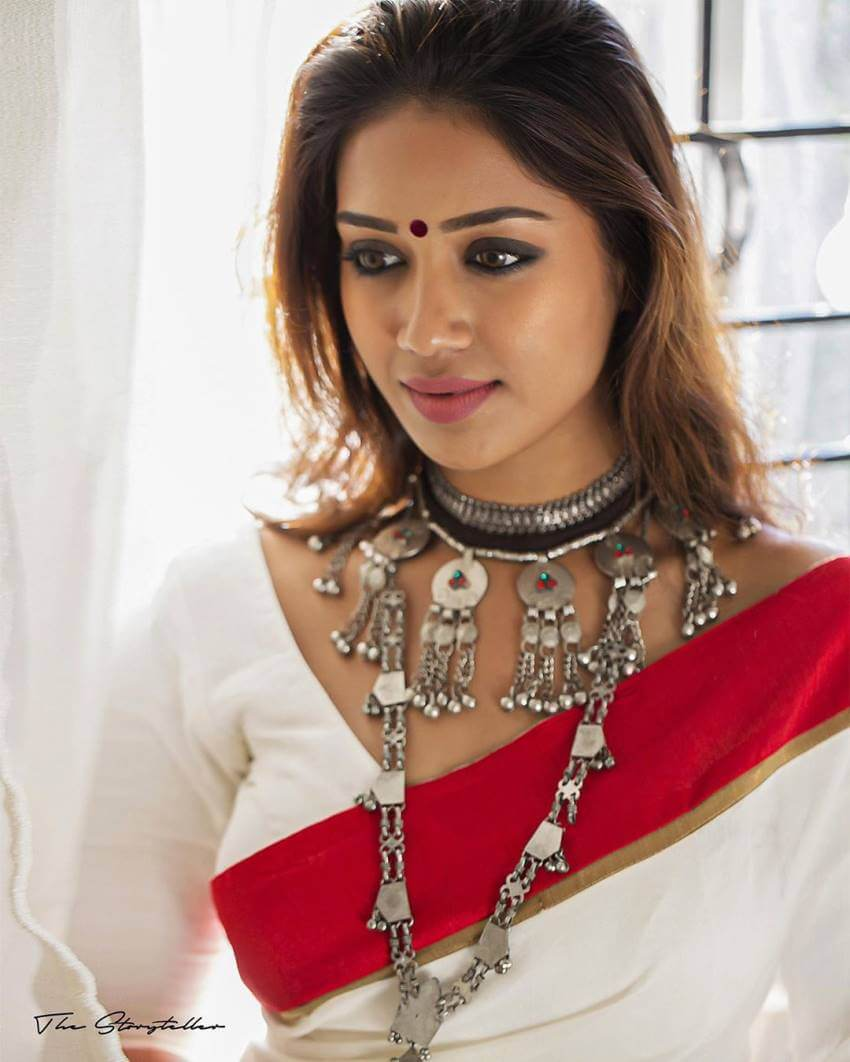 Nivetha Pethuraj Date Of Birth, Wallpapers, Age, Biography, Net Worth, Height, Education, Wiki, Facebook, Twitter, Imdb, Instagram, Youtube (26)