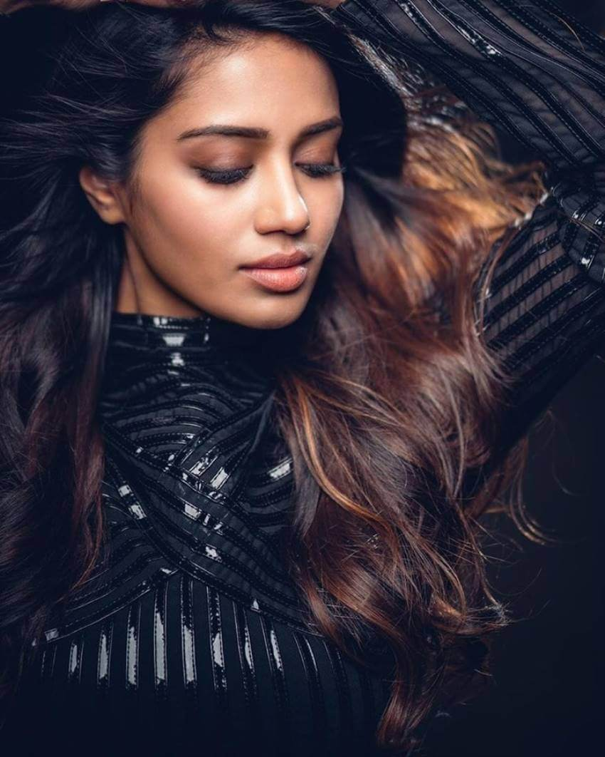 Nivetha Pethuraj Date Of Birth, Wallpapers, Age, Biography, Net Worth, Height, Education, Wiki, Facebook, Twitter, Imdb, Instagram, Youtube (27)