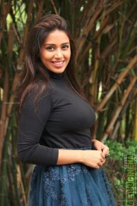 Nivetha Pethuraj Date Of Birth, Wallpapers, Age, Biography, Net Worth, Height, Education, Wiki, Facebook, Twitter, Imdb, Instagram, Youtube (36)