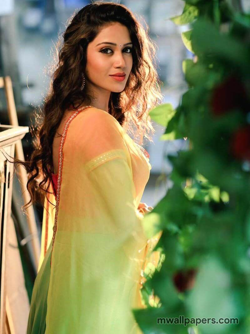 Nivetha Pethuraj Date Of Birth, Wallpapers, Age, Biography, Net Worth, Height, Education, Wiki, Facebook, Twitter, Imdb, Instagram, Youtube (50)