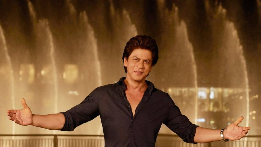 Shahrukh Khan Photo(images), Wife, Age, Son, Net Worth, Height, Daughter, Birth Date, Family, Biography, Children, Hairstyle, Education, Awards, Details, Instagram, Wiki. Twitter, Facebook