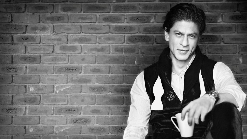 Shahrukh Khan Photo(images), Wife, Age, Son, Net Worth, Height, Daughter, Birth Date, Family, Biography, Children, Hairstyle, Education, Awards, Details, Instagram, Wiki. Twitter, Facebook, Im ( (16)