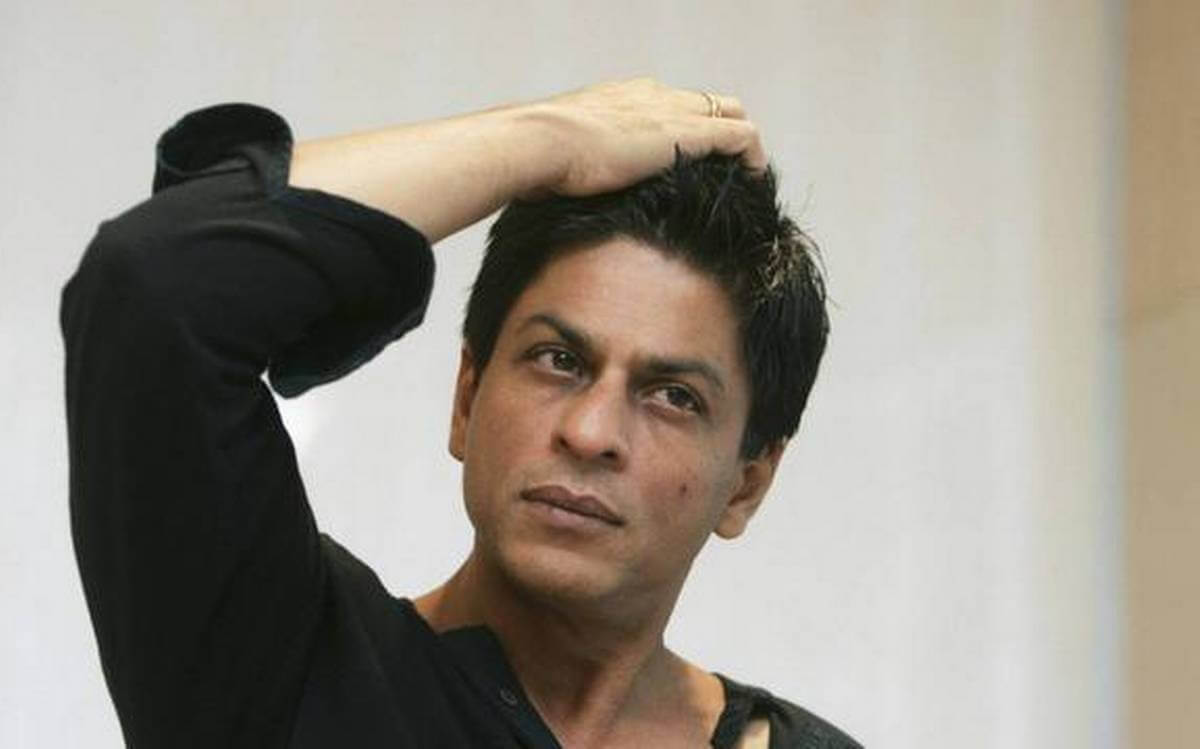 Shahrukh Khan Photo(images), Wife, Age, Son, Net Worth, Height, Daughter, Birth Date, Family, Biography, Children, Hairstyle, Education, Awards, Details, Instagram, Wiki. Twitter, Facebook, Im ( (24)